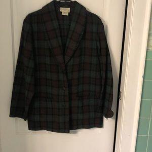 Wool blend plaid jacket w/blanket stitching
